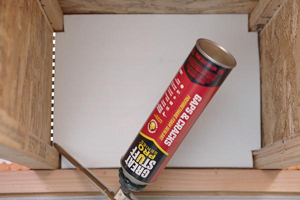 Pro Gaps Cracks Polyurethane Foam Sealant Great Stuff Pro